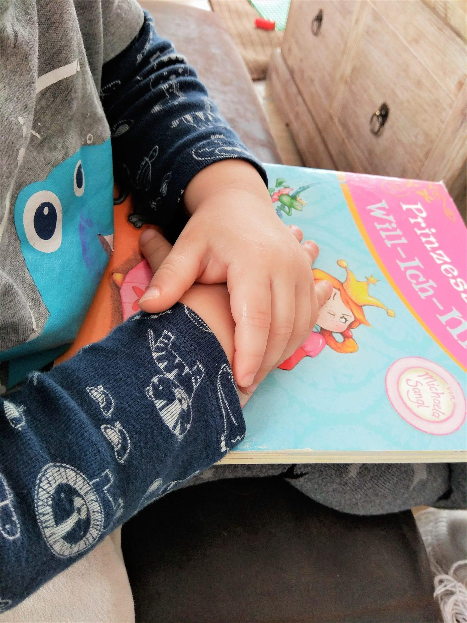 Der Lieblingsmoment mit Kindern in den Freitagslieblingen auf Puddingklecks: Vorlesen der Prinzessin Will-ich-nicht