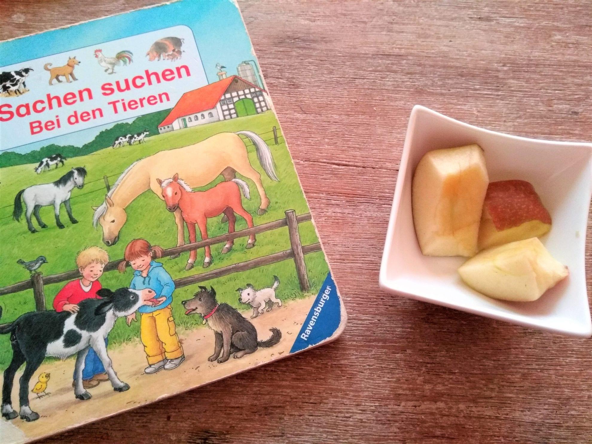 WMDEDGT 2/18, Wimmelbuch lesen und Apfel essen, Puddingklecks