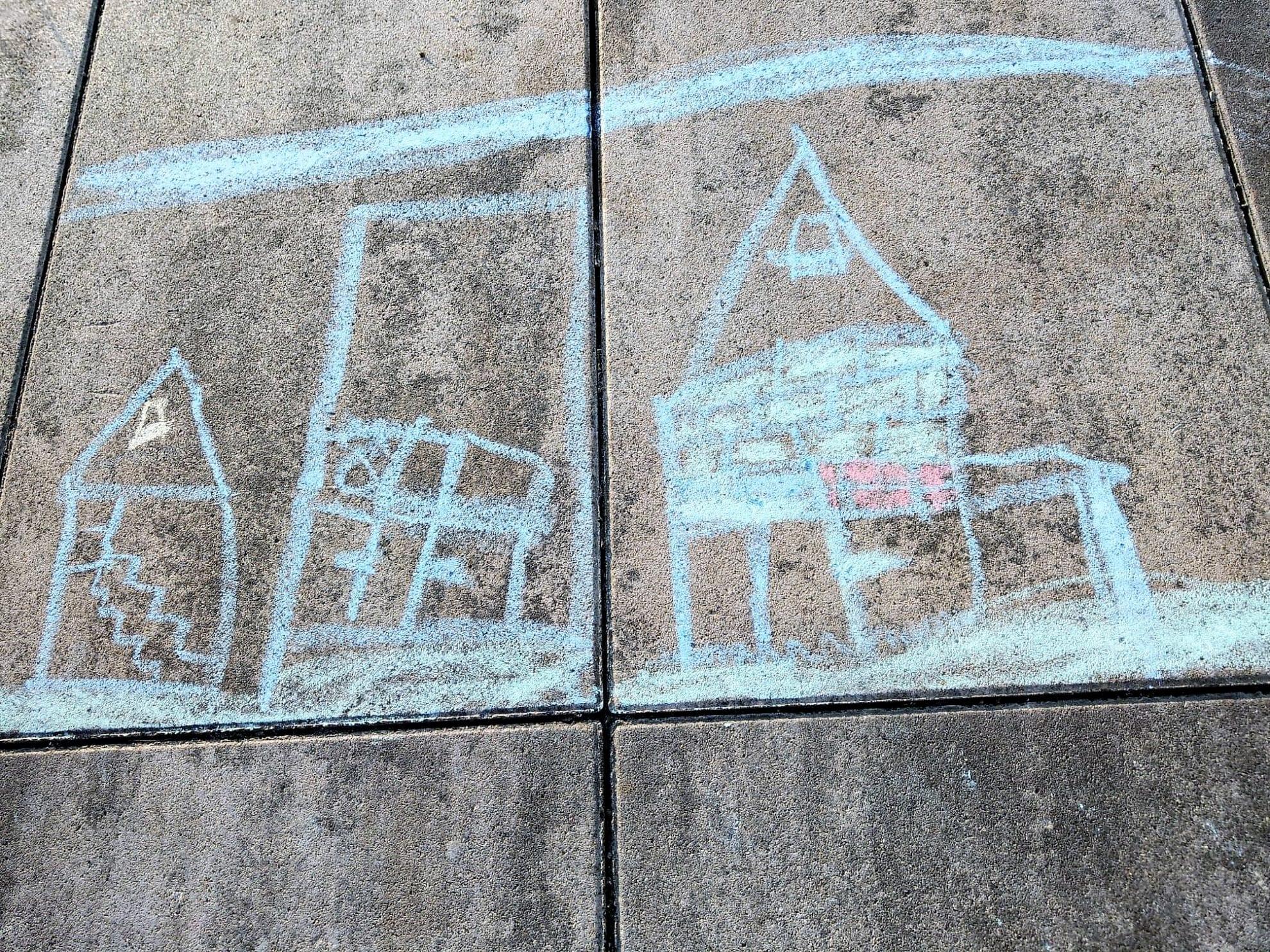 Das Kunstwerk des Zwerges mit Strassenmalkreide